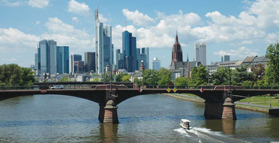Frankfurt Hop on Hop off City Tour mit Doppeldecker Bus