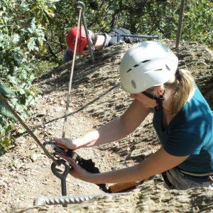 Frau im Klettersteig bei Boppard