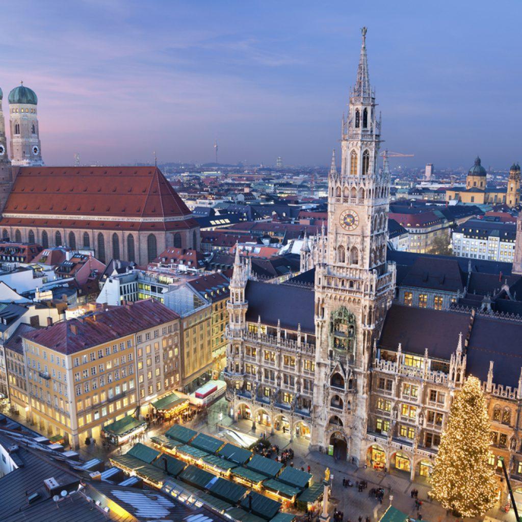 München Marienplatz am Abend