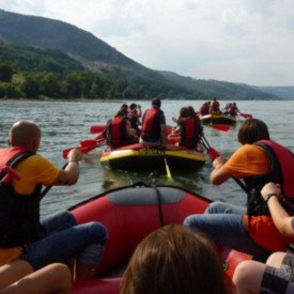 Rafting Boote im Mittelrheintal