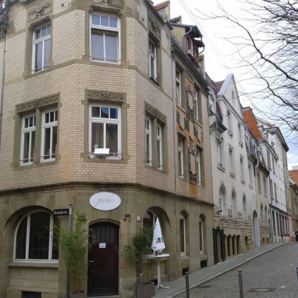 Eckhaus um die Jahrhundertwende in Stuttgart