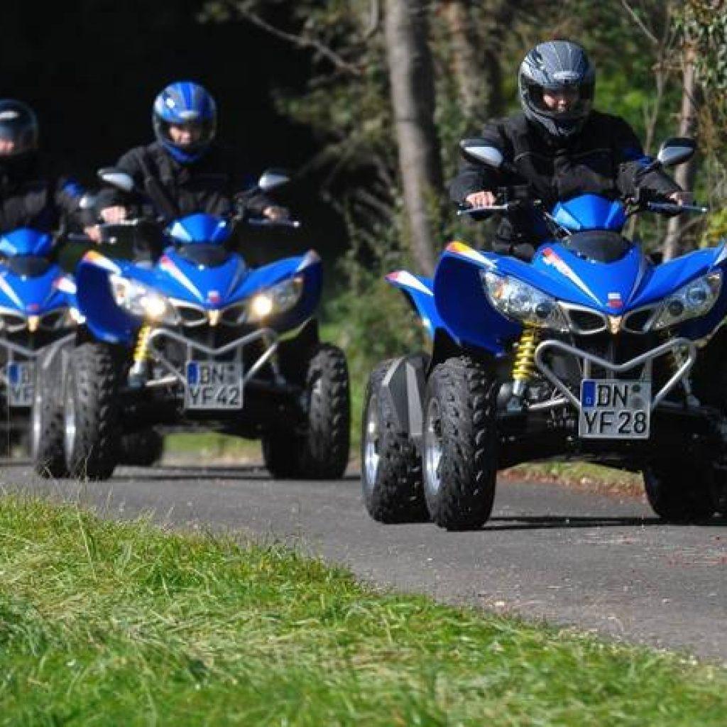 Drei Quadfahrer in der Eifel